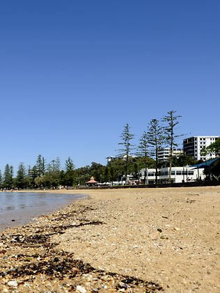 Suttons Beach redcliffe investor