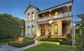 Pub baron Andrew Griffiths sells Windermere, his Ascot, Brisbane trophy mansion for $10.2 million