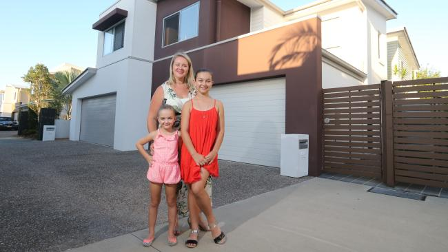Sellers make hay from Burleigh Waters property market