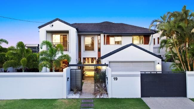 Dozens of Gold Coast homes set to go to auction during the Commonwealth Games