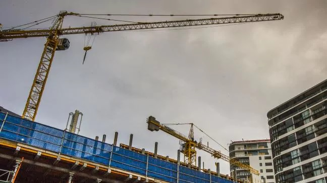 Nearly 20pc of Brisbane's apartments empty amid oversupply: BIS Oxford Economics