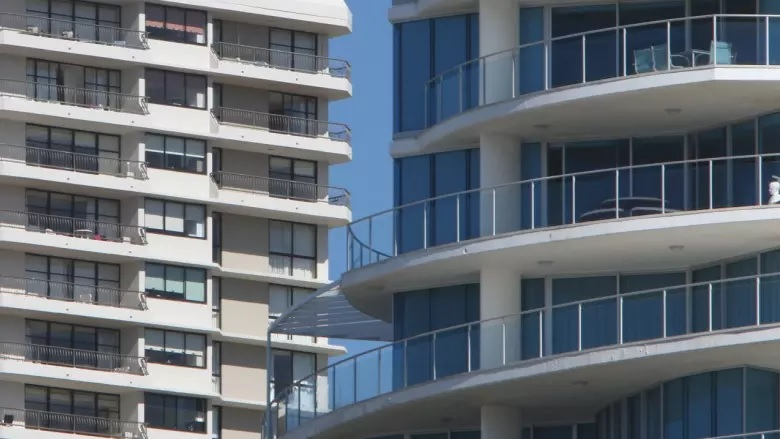 Brisbane units struggle to sell but house prices set new record