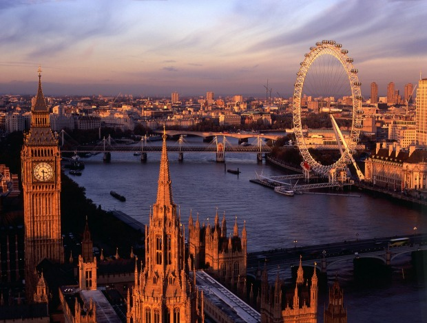 Property borrowers wooed with flights to London, cashback and low rates