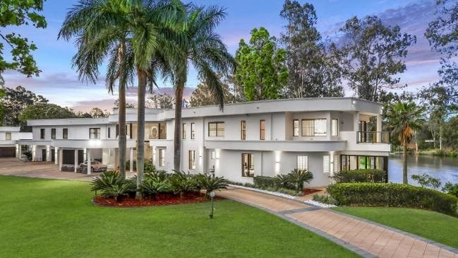 Big spender Clive Palmer spends $22m on property
