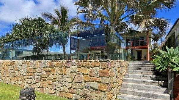 Cliver Palmer Spends on Top Sale Home Property