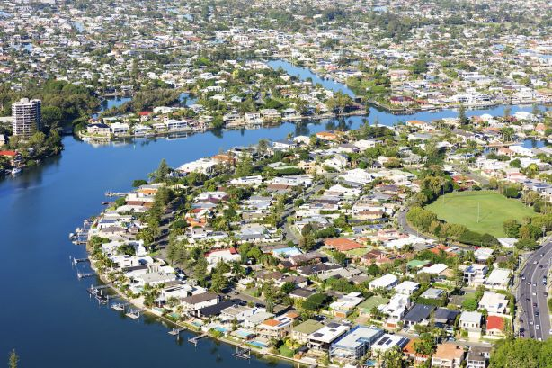 Investors rush to Gold Coast property market of federal election