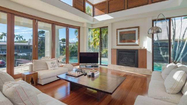 Luxury Noosa home fetches $8m buyers to cash in