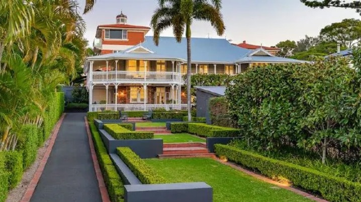 Stunner at 37 Mayfield St_ Ascot_ is on the market via expressions of interest