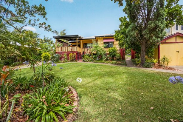 A 1960s family home sells for $2.125 million as Brisbane auction market hold steady