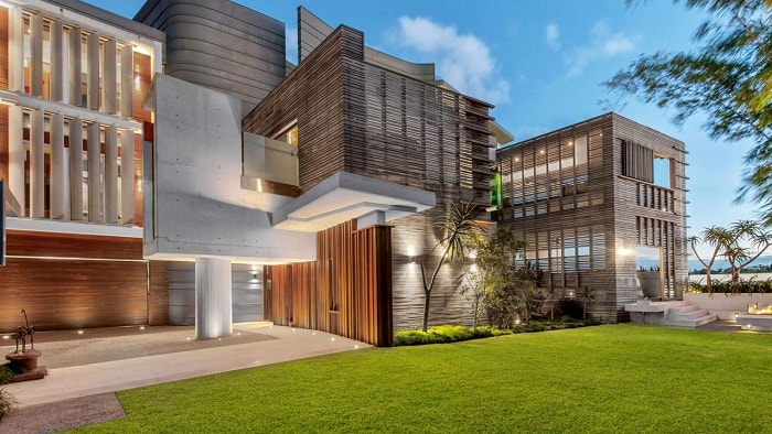 Brisbane's Comeback Luxury Homes on Upswing 8 Years After Floods3