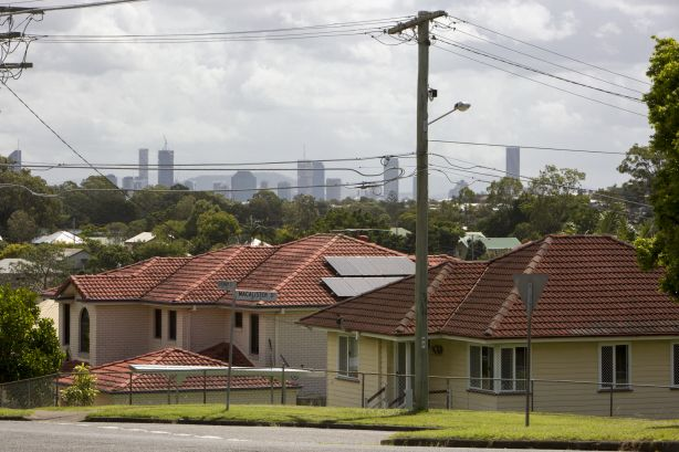 Brisbane landlords get the upper hand as rents hold strong at record high prices-min