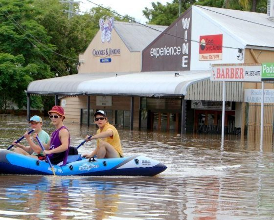 Rainwater tanks and temporary barriers could protect Brisbane from floods