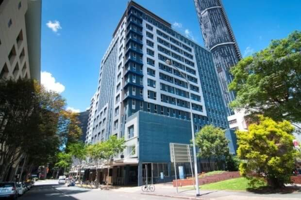 Sentinel-buys-Brisbane-Makerston-House-from-Challenger-for-103m