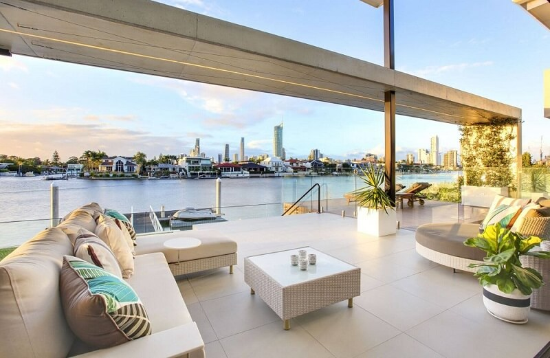 It's a house that makes a statement. Dominated by unbroken, horizontal forms, and offering water frontage and city views, there's a considerable 821 square metres of living space to kick back, relax and entertain in. Now on the market for $7.495 million, the five-bedroom home at 15 Cleland Crescent, Broadbeach Waters is kitted out with floor-to-ceiling windows, a 2000-bottle cellar, butler's pantry, media room and spa. The vendor bought the block in 2010 for just under $2.895 million, with the market at the time feeling the effects of the GFC.