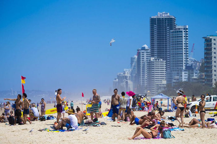 Chinese buyers in Australia Here for holidays and here to buy property 1