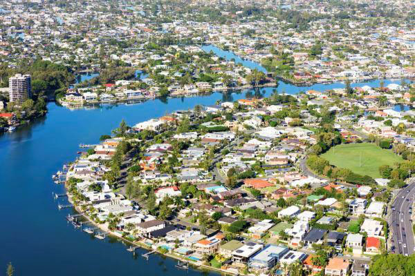 Chinese buyers in Australia Here for holidays and here to buy property