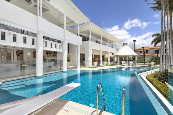 Perfect party pad Ultimate Noosa Waters entertainer, complete with nightclub, up for sale 1