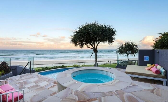 Main Beach trophy apartment relisted (2)