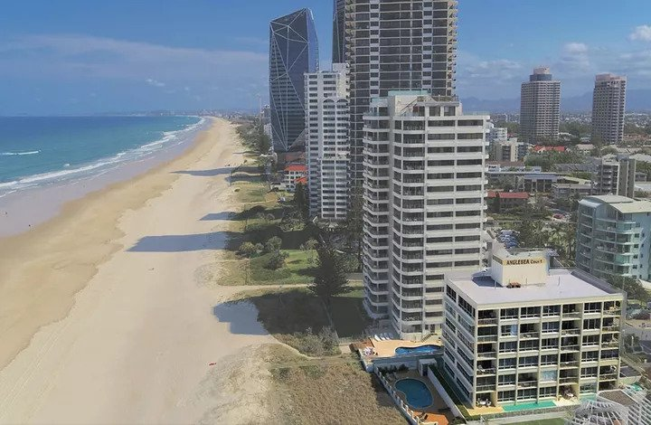 Gold Coast Beachfront Hotel Site Hits the Block (1)