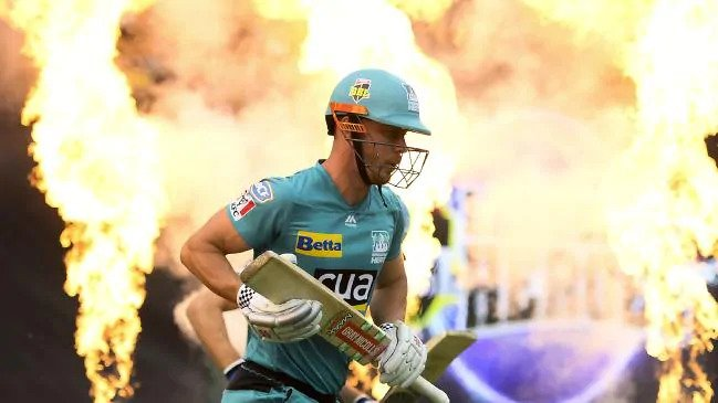 Cricketer Chris Lynn throws in luxury car to sell home (12)