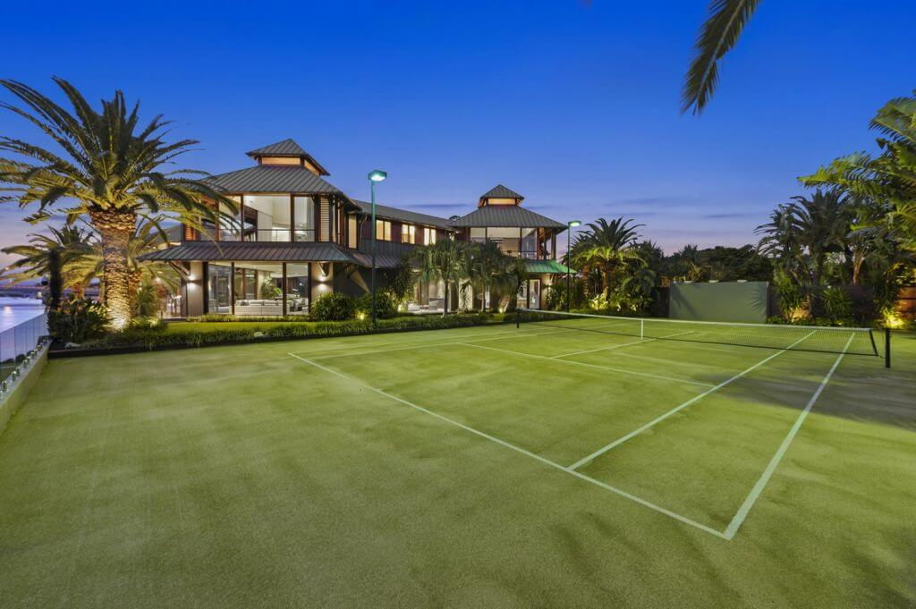 Gold Coast mega-mansion with private beach sells for $11.75 million (4)