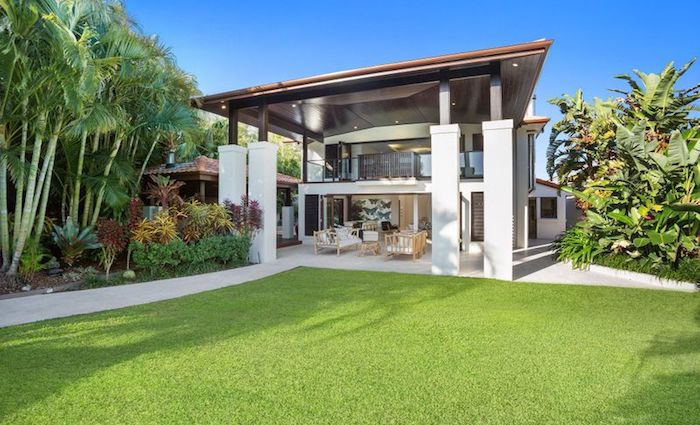 Broadbeach Waters waterfront trophy home sold for $5.7 million (1)