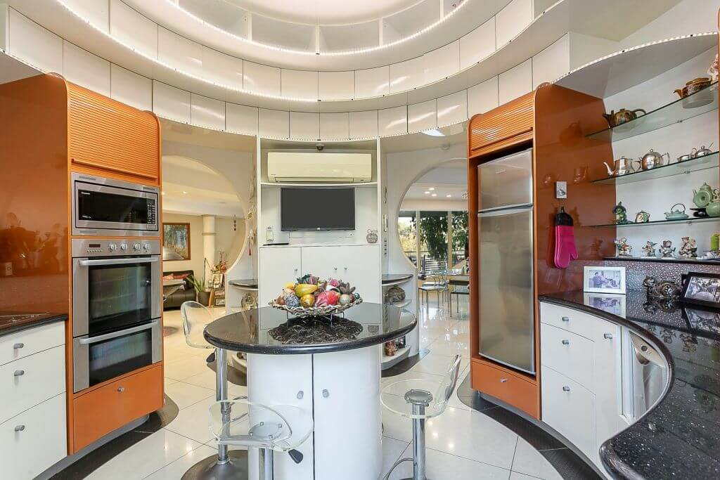 The Bubble House in Ipswich is for sale for the first time (4)