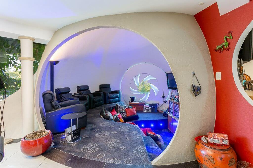 The Bubble House in Ipswich is for sale for the first time (5)